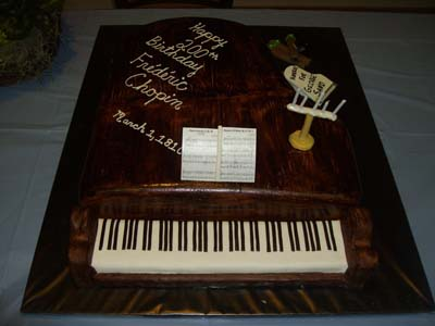 Piano 6 Specialty Cake Image