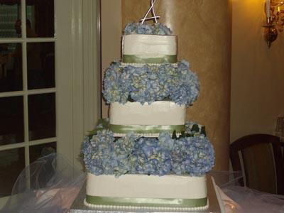 Hydranas Wedding Cake Image